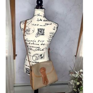 Dooney & Bourke vintage essex AWL leather purse